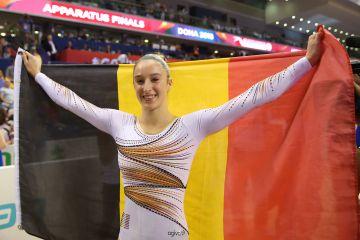 Nina Derwael wint de gouden medaille aan de Damesbrug - Foto Thomas Schreyer