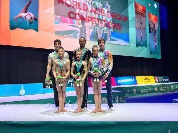 Jordan Franklin en Ella Hanna Sanz uit Groot-Brittanië winnen de competitie bij de MXP 12-18